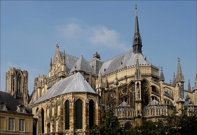 La cath drale de reims c l bre ses 800 ans les arts - Chevet architectuur ...
