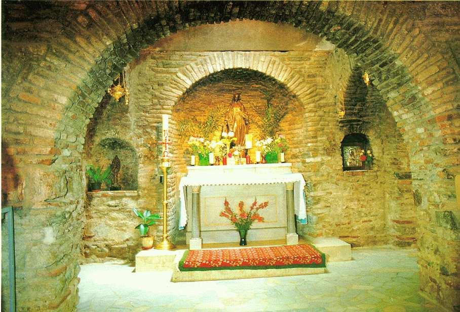 Ephese en turquie la maison de la vierge marie les for La maison marie