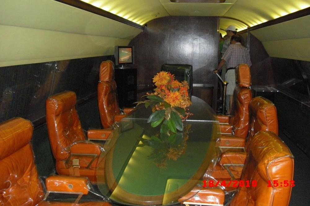 Montons à bord du Lisa Marie, l'avion d'Elvis Presley (6/6)