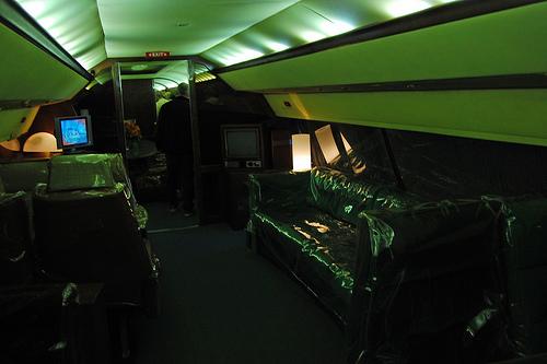 Montons à bord du Lisa Marie, l'avion d'Elvis Presley (4/6)