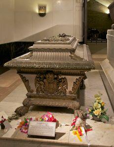 640px-Sarcophagus_Elisabeth_Sisi_Kapuzinergruft_Vienna
