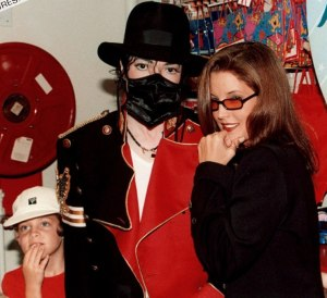 Michael-Jackson-Lisa-Marie-2